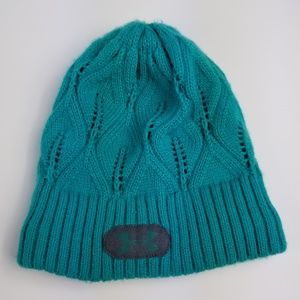 Knit Fully Lined Under Armour Hat Beanie EUC